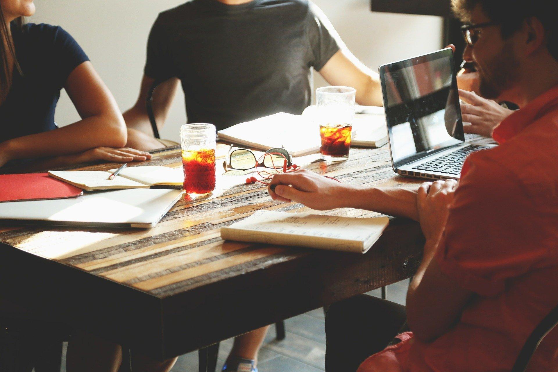 4 Beneficios corporativos de hablar ESL Houston y por qué debería importarte