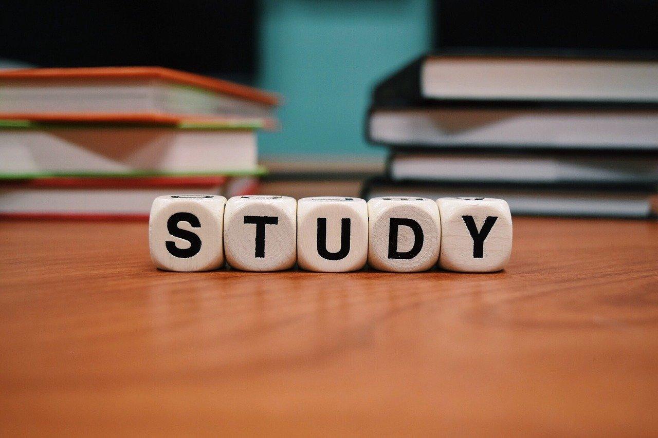 Beneficios de estudiar inglés como segundo idioma en grupo